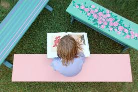 to paint and prime outdoor furniture