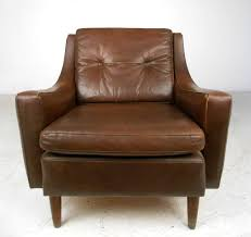 mid century modern tufted brown leather club chair at 1stdibs mid century leather chair uk