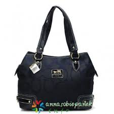 Coach Hamptons Prted Signature Large Totes Black In