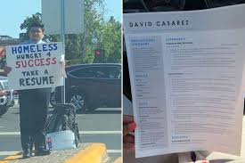 Success Resumes Homeless Man Hands Out Resumes Gets Over 200 Job Offers