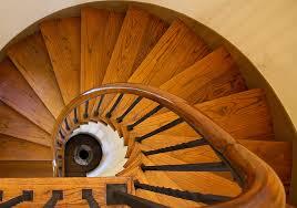 Denken sie auch über einen neuen bodenbelag oder einen handlauf, passend zu ihrer renovierten treppe, nach? Treppenrenovierung Bei Treppen De Renovieren Sie Ihre Treppe
