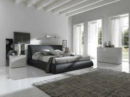 Minimal Bedroom Small Minimalist Bedroom Furniture And The Minimalist Bedroom