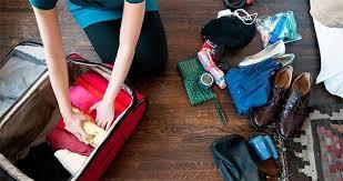 """Résultat de recherche d'images pour """"faire sa valise en roulant les vetement"""""""