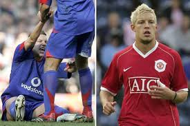Alan Smith reveals he struggles to walk 13 years after John Arne Riise's  shot broke his ankle while playing for Man Utd