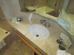 travel tip washing your clothes in a hotel sink