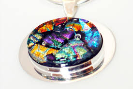 students will learn how to make fused glass pendants in this fun one day work learn techniques for etching designs on dichroic glass and explore how to