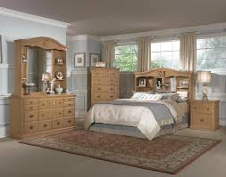 Pine Wood Bedroom Furniture All Wood Country Style Bedroom W Hand Carved Wood Accents