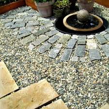 patio design ideas that use mixed materials