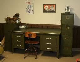 i used one of these in the marines and still look constantly for one of those gorgeous green metal military desk sets and a chair just like this