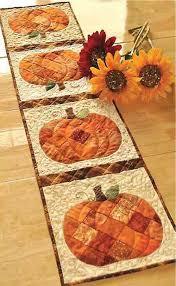 Patchwork Pumpkin Quilted Table Runner Pattern | Scrap, Autumn and ... & Patchwork Pumpkin Quilted Table Runner Pattern | Scrap, Autumn and  Decoration Adamdwight.com