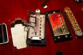 guild full sized hb1 and sd1 pickup variations gad s ramblings guild hb1 pickups come large flat head silver or gold adjustment screws while every sd1 equippened guitar i ve seen has come smaller