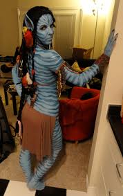 neytiri from avatar with body paint