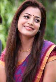 straight hairstyle in saree