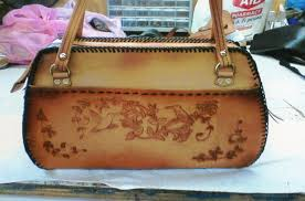 handcrafted leather purses and wallets