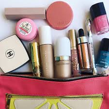 whats in my bag i have amed a considerable amount of makeup since moving to dubai gold sephora card in the post and i owe this primarily to