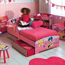 toddler bed minnie mouse decor