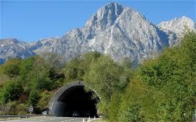 tunnel mountain에 대한 이미지 검색결과