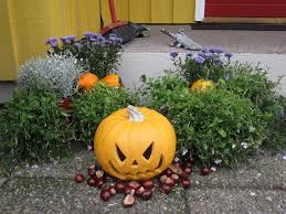 Outside Fall Decor Outdoor Fall Displays Outdoor Fall Decorating Ideas For Front