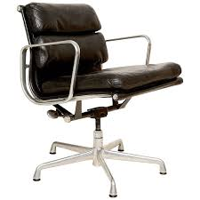 vintage office chair. mid century modern herman miller eames soft pad aluminum group chair at 1stdibs vintage office e