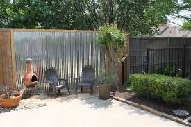 Image Low Budget Metal Screens Homedit How To Customize Your Outdoor Areas With Privacy Screens