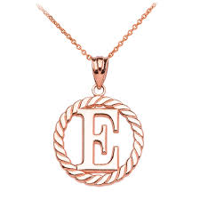 rope circle letter e pendant necklace in 14k rose gold