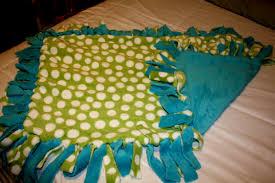 Hand Tied Fleece Blanket | Blanket Decoration & How to Make Tie Fleece Blankets: 29 Tutorials | Guide Patterns How to Make Fleece  Tie Blanket Adamdwight.com