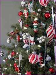 Red and silver christmas tree decorations silver and gold Silver and red  christmas tree decorating ideas