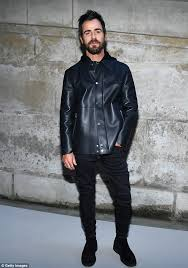 flying solo justin theroux looked stylish as always as he attended the louis vuitton presentation