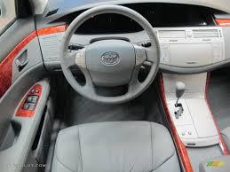 2005 Toyota Avalon XLS Light Gray Dashboard Photo #62500044 ...