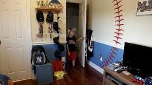 Beautiful Sports Themed Bedroom Decorating Ideas 22.