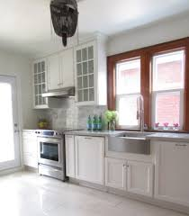ApronfrontbathroomsinkKitchenTraditionalwithcrownmolding - Crown molding for bathroom