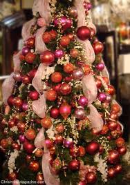 Decorating Christmas Tree With Balls Index Of Imagesstories100decorideas100homedecorideas 9
