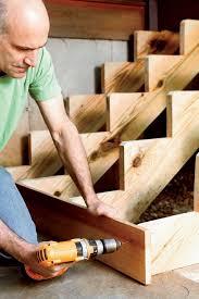 Doch auch breite toreinfahrten kann der heimwerker selber bauen, so er statische techniken anwendet und die stützpfeiler sicher einbetoniert. Gartentreppe Aus Holz Selber Bauen Anleitung Setzstufen Verschrauben Holztreppe Selber Bauen Gartentreppe Stufen Bauen