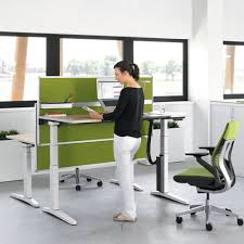 sit or stand when working at your office desk well now the choice is yours with this amazing new ology height adjule desk available from hunts office