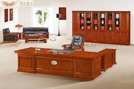Wooden office desks Minimal Wooden Office Table Lushome Office Table Furniture High End Wooden Presidential Desk hyd7632