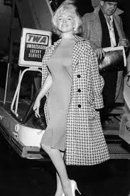 Marilyn Monroe S Most Glamorous Moments Marilyn Monroe Photos