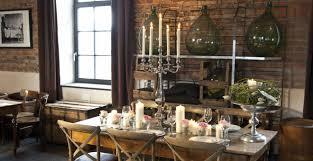 Dalani sala da pranzo in arte povera: stile autentico