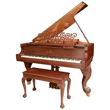 Story and Clark Baby Grand Piano with Bench For Sale at 1stdibs