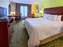 rooms available at hilton garden inn columbia harbison 9 2 exceptional room comfort quality 1 king accessible roll in shower