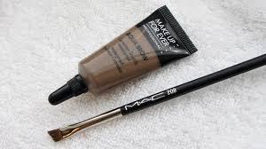 aqua brow is verkrijgbaar in maar liefst 7 kleuren de kans is dus vrij groot dat jouw wenkbrauwkleur erbij zit hieronder de beschikbare kleuren op een