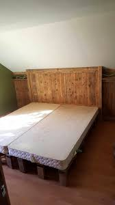 king size pallet bed diy pallet box spring recycledpalletbedframesprojectshomesthetics