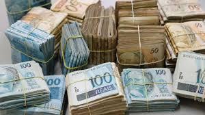 Resultado de imagem para dinheiro fotos