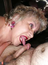 Amateur Wife Deepthroat