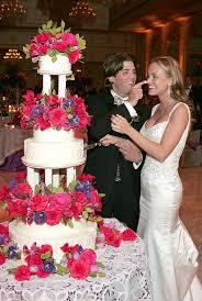 donald trump wedding cake. donald trump jr. and vanessa wedding cake u