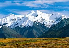 Горы характеристика и виды Больше всего гор в Азии 64% меньше всего в Африке 3% В горах живет 10% населения земного шара И именно в горах берут начало большинство рек на нашей