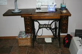 Treadle Sewing Machine Cabinet Tammys Craft Emporium Using A Treadle Sewing Cabinet With An