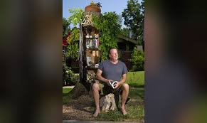 OKC resident turns tree into Little Free Library
