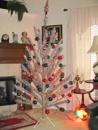 vintage aluminum Christmas tree with color wheel had this as a kid and