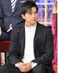 新田真剣佑の髪型を真似したい方必見最新ヘアやセット法を伝授 知っ
