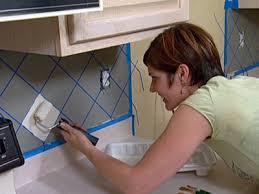 Colori Per Dipingere Le Pareti Del Bagno : Dipingere le piastrelle del bagno o della cucina per rinnovare gli